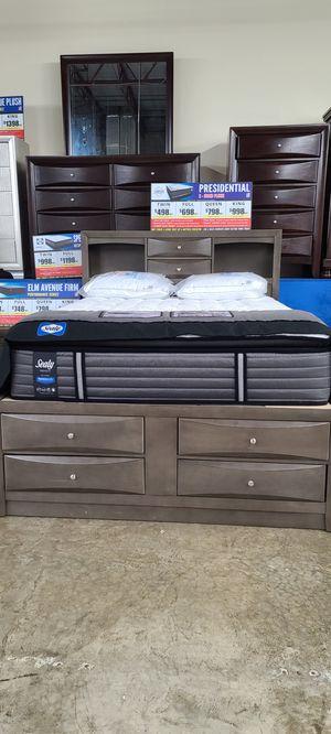 5pc platform storage bedroom set! for Sale in Columbus, OH