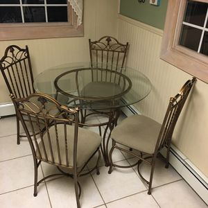 Table Set With Bakers Rack for Sale in Ronkonkoma, NY