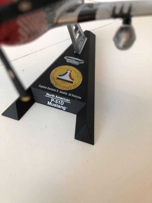 Matchbox collectibles plane desk model mustang