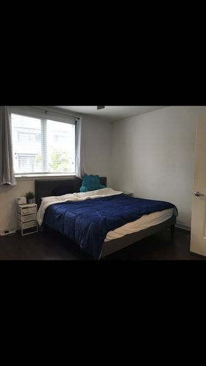 Bed frame mattress (free) for Sale in Seattle, WA