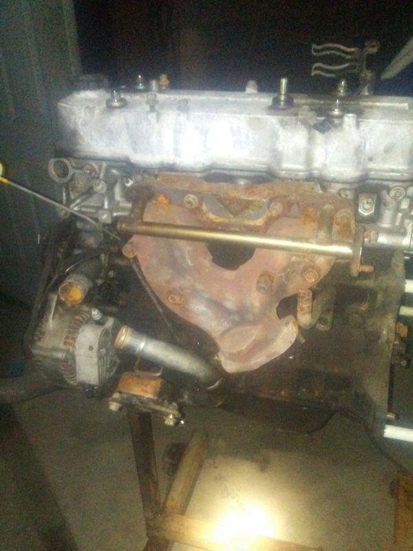 2.4 Liter Toyota engine 22R/RE