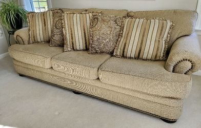 Couch and Oversized Chair with Ottoman for Sale in Myersville,  MD