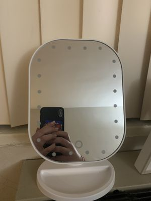 makeup mirror with lights for Sale in Arlington, VA