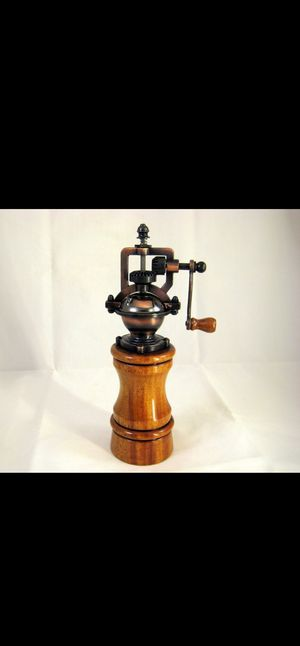 Antique style Pepper mills for Sale in Las Vegas, NV