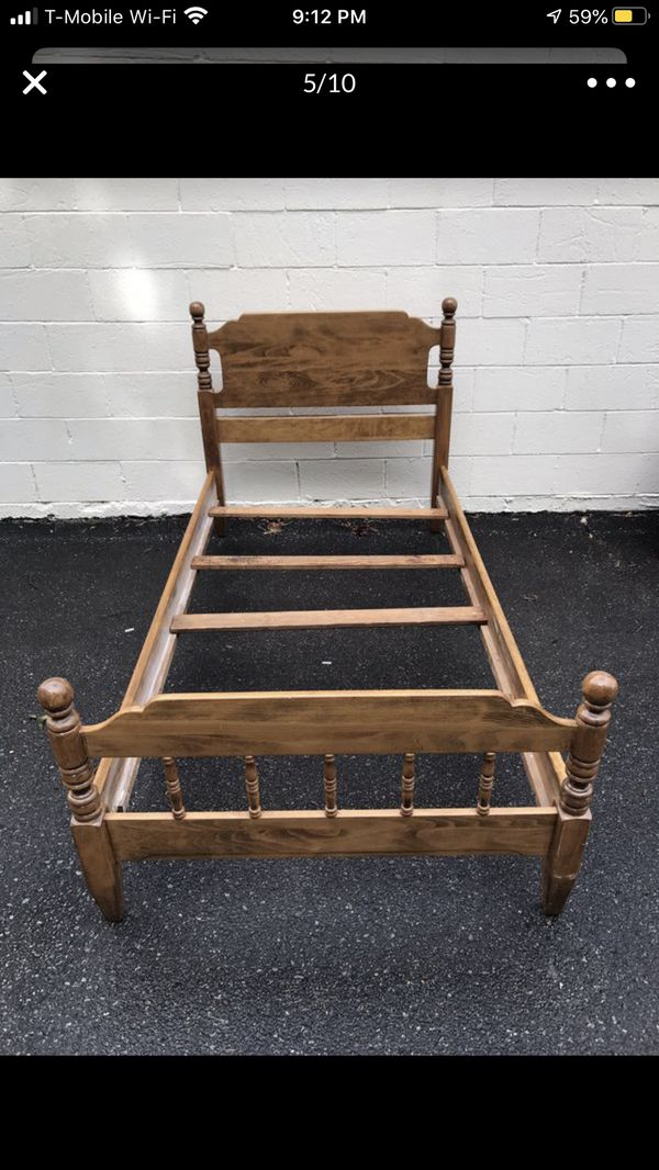Twin Solid Wood bedroom bed comes with headboard, footboard, rails and slats puedo hablar español Due to the high volume of responses all items fo