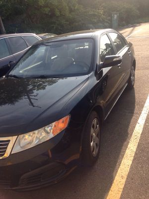 Kia Optima 2010 like new 150.000 pass echeck for Sale in Cleveland, OH