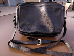 Classic Coach bag. BLK leather for Sale in YPG, AZ