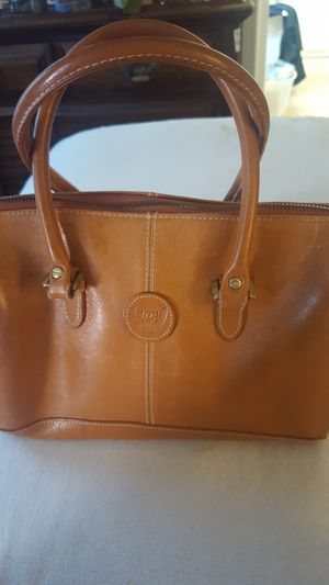Tan leather Liz Claiborne two strapped purse for Sale in Columbus, OH