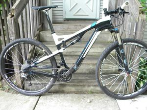 Trek Superfly 100 ELITE (Carbon Fiber) Gary Fisher Edition for Sale in Seattle, WA
