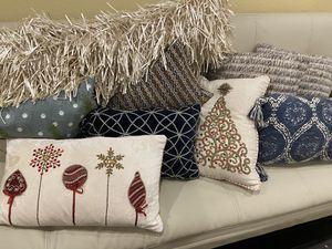 9 almost new decor bead pillows for Sale in Tempe, AZ
