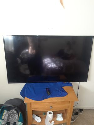 60 inch TCL roku tv for Sale in Tampa, FL