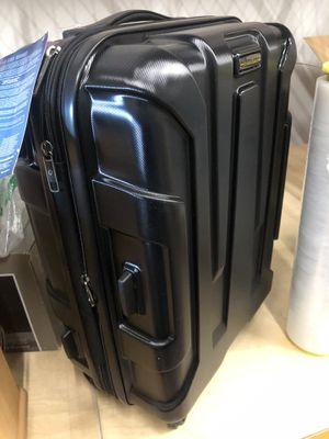 Traveling suit case for Sale in Las Vegas, NV