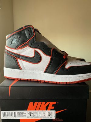 Air Jordan 1 bloodline size 7y for Sale in Vernon, CA