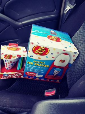 Jelly belly snow cone maker for Sale in Jefferson City, MO