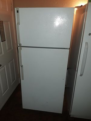 Hotpoint refrigerator freezer for Sale in Tacoma, WA