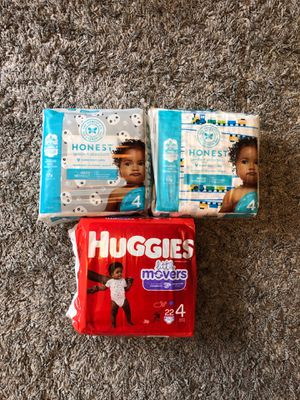 Honest and huggies diapers size 4 for Sale in Portland, OR