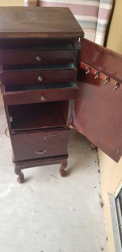 Antique Jewelry Cabinet For Restoration for Sale in Dunedin,  FL