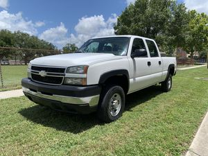 2006 Chevy Silverado 2500 HD 4door for Sale in St.Petersburg, FL