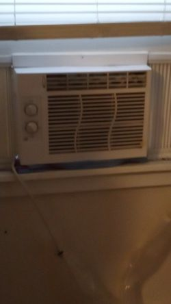 Great condition window unit ac for Sale in San Antonio,  TX