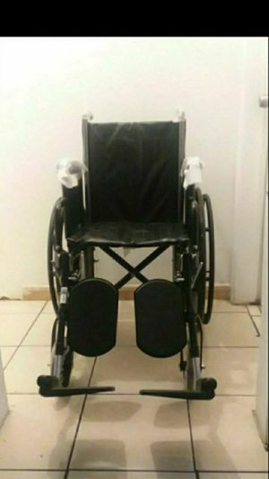 "DRIVE SILVER SPORT II WHEELCHAIR 16""WIDTH WITH ELEVATING LEGREST... for Sale in Paramount, CA"