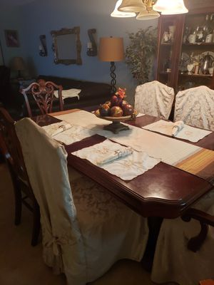 7 piece dining room set and China closet for Sale in Pembroke Pines, FL