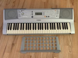 Pre-Owned Yamaha YPT-300 Keyboard w/ Detachable Music Stand for Sale in Mount Prospect, IL