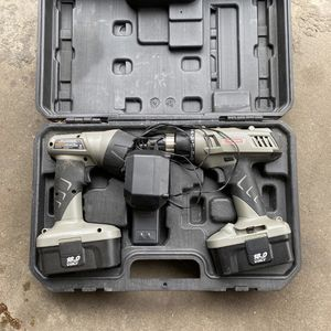 CRAFTSMAN Drill/Flashlight 18.0v for Sale in Queens, NY