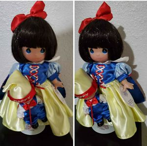 9 inch snow white precious moments doll for Sale in Kissimmee, FL