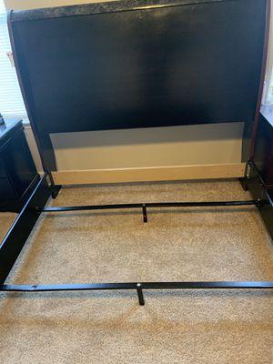 Like new bedroom set for Sale in Memphis, TN