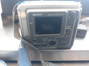 Vintage 1997 Sony Mavica digital still camera MVC-FD7 for Sale in Tempe, AZ