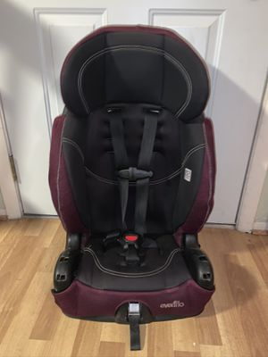 Car seats$10 each , booster seat $5 for Sale in Tampa, FL