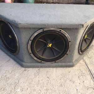 Triple Subwoofer 🔊🔊🔊 Kickers Size 10 for Sale in Los Angeles, CA