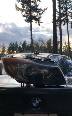 BMW e90 passenger headlight for Sale in Auburn, WA