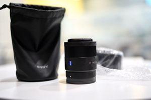 Zeiss 55mm f1.8 Sony emount for Sale in Anaheim, CA