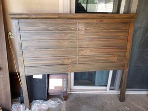 Queen headboard for Sale in Fresno, CA