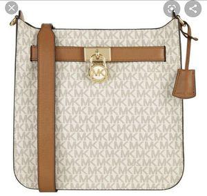 Michael kors messenger bag for Sale in Alta Loma, CA