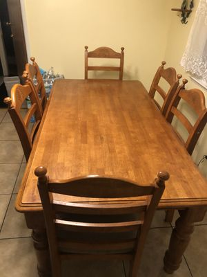 Wooden Dining table with chairs. for Sale in Fresno, CA