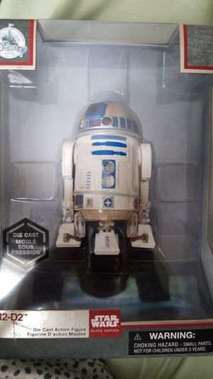 Disney store R2D2 Star Wars Elite Series. for Sale in McKeesport, PA