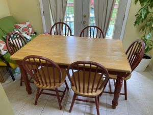 Dining table set for Sale in Lanham, MD