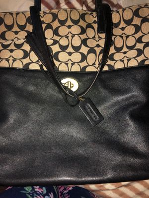 Large real coach purse for Sale in Columbus, OH