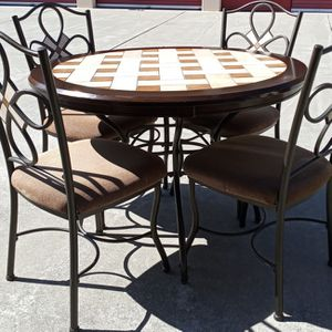 VERY NICE 5PC DINING SET for Sale in Fairfield, CA