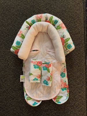 Infant girl car seat head support for Sale in Las Vegas, NV