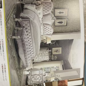 King Bed Room Set On Sale ( includes King Bed Frame , Dresser , ,mirror And 2 Night Stands) ON SALE for Sale in Federal Way, WA