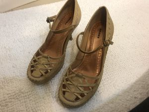 Brand new genuine leather Size 6M Report heels for Sale in Buffalo, NY