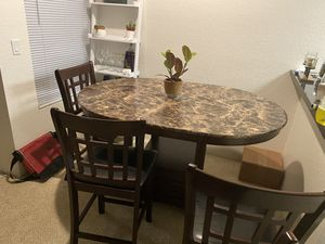 5 PC DINING SET for Sale in Anaheim, CA
