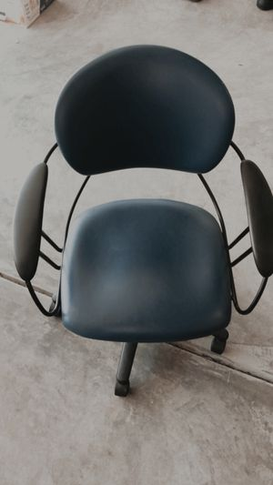 Blue office chair for Sale in Galloway, OH