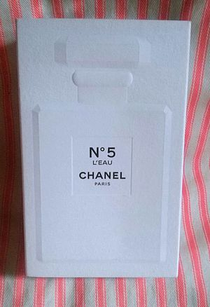NWOT Aunthentic Unopened Chanel No.5 EDT & Free RareEssense Body Lotion and Perfume Set for Sale in Brooklyn, NY