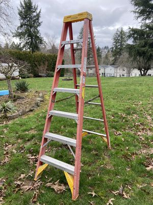 7 ft step ladder for Sale in Clackamas, OR