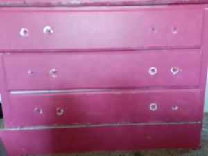 Pink dresser set. 2. Piece for Sale in Romulus, MI