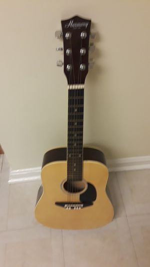 Small guitar for Sale in Adelphi, MD
